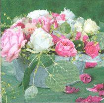 Dekorszalvéta - Composition of roses